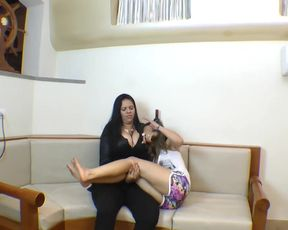 Giantess Cinthia forces slave drink a full glass of saliva