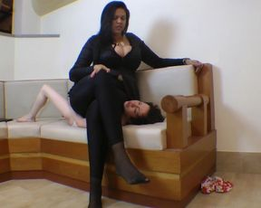 Sofa Girl for Giantess Cinthia