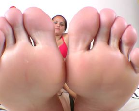 Extreme Face Massage by Big Feet