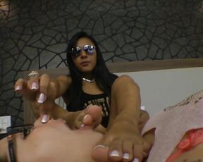 Young 18 years old Princess likes to masturbate while slave licks her feet